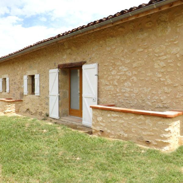 Enduits de façades gers - Restauration bâti ancien - Maçonnerie traditionnelle pierre et terre - ecoconstruction - Arcilla Rossello